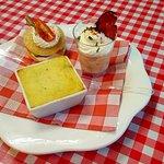 Mises en bouche de la Saint Sylvestre  Blinis crème montée parmesan saumon fumé,parmentier de ca