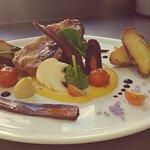 Plato del dia😤 Rôti de porc orloff.,mousseline de potiron, carotte violette et tomate cerise au