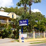 Foto de The York Beachfront Holiday Apartments