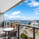 ‪Meriton Serviced Apartments North Sydney‬