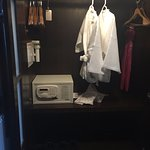 Closet amenities