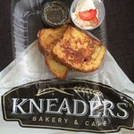 Foto de Kneaders Bakery & Cafe
