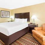 Foto de Days Inn & Suites Davenport East