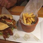 La Pipona great burger