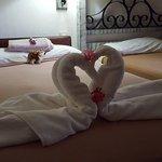 Chambre avec lits d'appoints pour les enfants