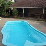 Pvt bungalow with jacuzzi pool