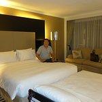 Hotel room smells damp@Concorde Hotel Singapore