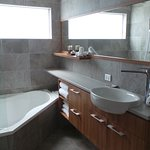 Full size soaking tub