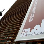 L'edificio annesso al Musal è sede degli uffici della Fondazione e di sale polifunzionali