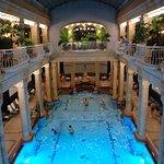 piscina termale, veduta dall'alto
