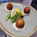 Fishcakes with lemon and mint mayonnaise
