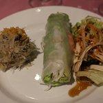 Crabe Farci / Rouleau de Printemps / Salade cacahouètes