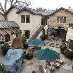 hotel cheval courtyard