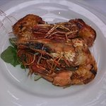 Grilled local prawns, sliced pears & peaches, walnuts, rocket, lemon olive oil dressing
