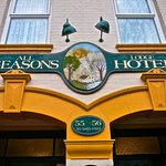 All Seasons Lodge Hotel