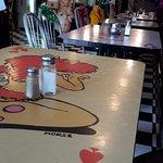 Love the table art