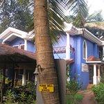Presa di Goa is a kind of villa; to the left: the open air restaurant