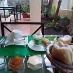 Le petit-déjeuner sur la terrasse