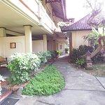 Besakih Beach Hotel Foto
