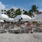 Foto de Holland House Beach Hotel