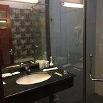 Baño amplio y cómodo