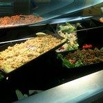 Buffet d'entrées : semoule, lentilles et carotte : pour les gourmets uniquement