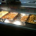 Poisson pané accompagné au choix de frites, macédoine de légume, pommes duchesse
