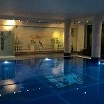 Photo de Lakeside Hotel