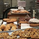 Duval St - Homemade cookies and ice cream