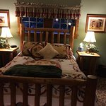 Bear's Lair Bed & Breakfast resmi