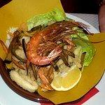 gran fritto di pesce e verdure