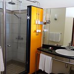 Deluxe Double Room with Sea View (room 221) - problematic shower