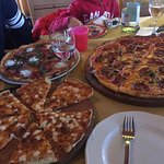 The margarita Medium Pizza for kids, The Medium size and Family size