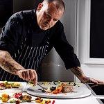 Ο Executive Chef Δημήτρης Σκαρμούτσος ανέλαβε το Museum Restaurant.