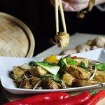 Pikantne tofu z warzywami