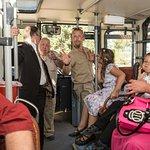 Diese Busfahrer sind der absolute Höhepunkt, nicht zuletzt durch ihr Wissen und Spaß an der Arbe