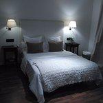 Habitación cómoda y bien iluminada