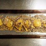 Ravioli allo speck con radicchio e gorgonzola