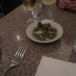 Was so nice to find olives greet us when arriving at the table - a great start to the evening!