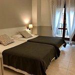 Photo de Hotel Rio Arga