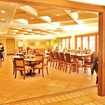 Large dining room with excellent food