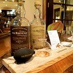 """Whiskyprobe """"Riechen-Pumpen-Riechen"""" an der Palais Bar"""