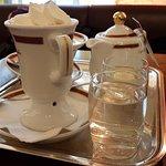Café-Restaurant Sacher Innsbruck Foto