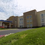 Holiday Inn Express Suites Allen Park