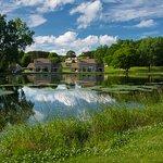 Photo de Tamarack & Mirror Lake, a Festiva Resort
