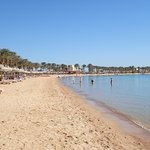 1.2km Strand flach abfallend und sauber
