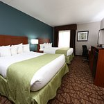 Our recently remodeled 2 Queen rooms are perfect for all your traveling needs.