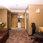 Photo de Woodlands Inn & Suites