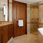 Photo de Renaissance Paris La Defense Hotel