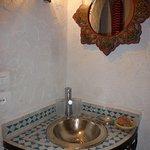 lavabo en zelliges , chambre Chaouen